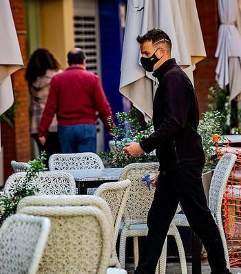 Julio deja 2.800 parados menos y 239 ocupados más