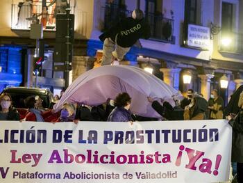 Centenares de personas piden abolir la prostitución