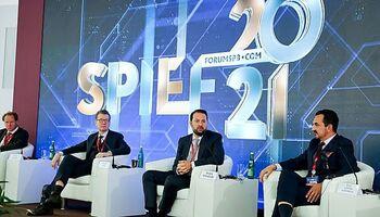 Rafael Fuertes en el Foro Económico de San Petersburgo