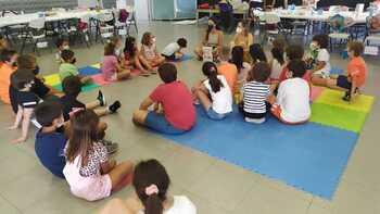 Los niños aprenden de forma lúdica la igualdad de género