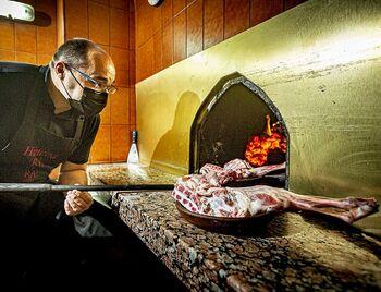 Cultura gastronómica en una cueva de Peñafiel