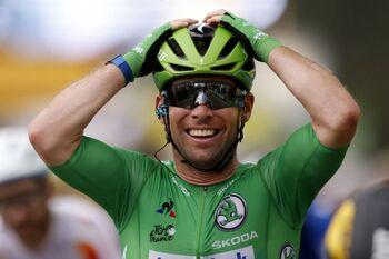 Cavendish alcanza a Merckx