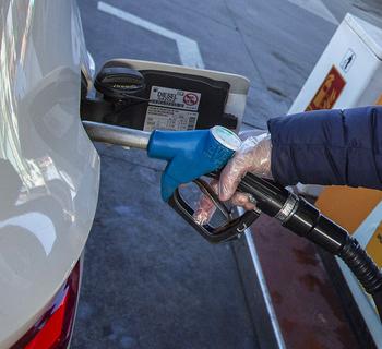 Las gasolineras se recuperan por la movilidad nacional