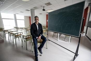 Emilio García puso fin antes de la Navidad a 41 años de enseñanza en el colegio La Salle dejando un grato recuerdo en varias generaciones de burgaleses.