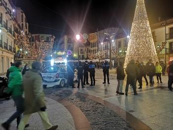La Policía Nacional y Local vigilarán el toque de queda