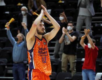 Valencia gestiona mejor su energía y alcanza las semifinales