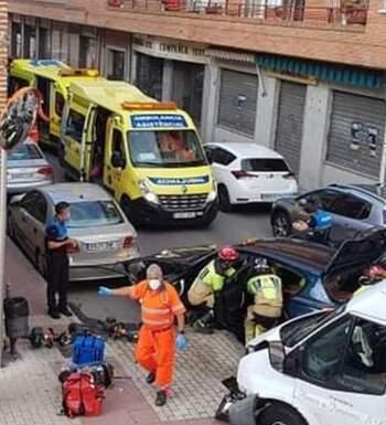 Dos heridos en una colisión entre una furgoneta y un turismo