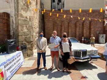 La Puerta de Zamora acoge una reunión de coches clásicos