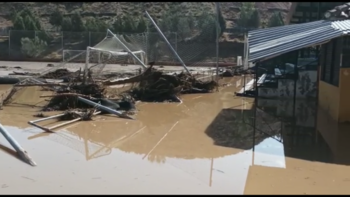 La piscina y el campo de fútbol de Santa Bárbara, arrasados