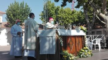 Emoción contenida en la misa en honor a la Patrona