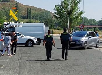 Dos personas detenidas por robar en áreas de servicio