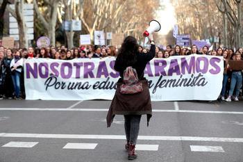 El Gobierno pide no celebrar el 8M en las calles este año