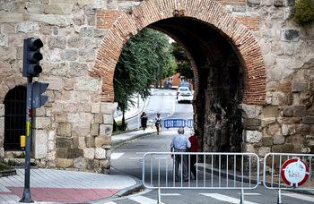 120.000 euros en asentar el Arco de San Martín y su lienzo