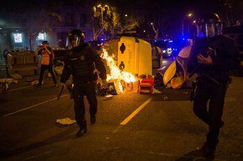 Tres mossos heridos leves tras la marcha del 1-O