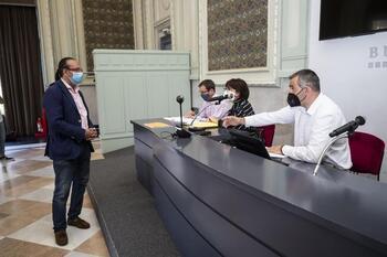 Ayuntamiento y Diputación valoran demandar a Gallego