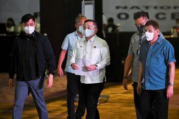 El presidente de Filipinas anuncia su retirada de la política