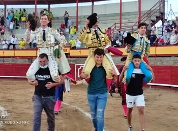 Festival de trofeos en Navaluenga