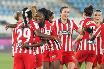 El Atlético Femenino conquista su primera Supercopa