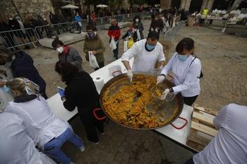 Rotundo éxito de la paella solidaria con La Palma