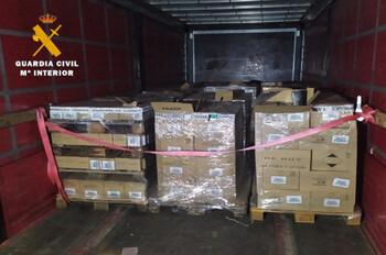 La Guardia Civil de La Roda recupera un camión robado