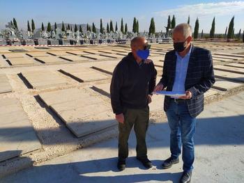 Valdepeñas invierte 170.000 euros en mejorar el cementerio