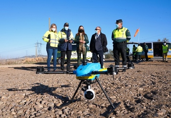 Un dron que puede multar vigilará las carreteras burgalesas