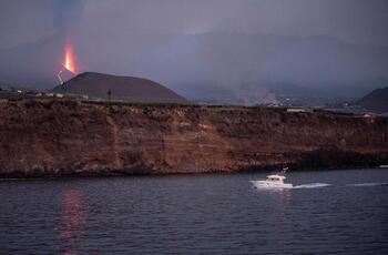 La lava está a 1.000 metros del mar sin seguridad de que llegue
