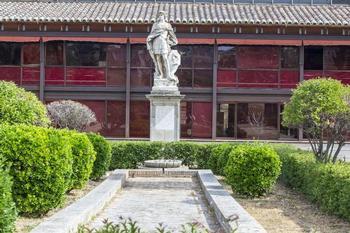 Vox también pedía en su moción recuperar el conjunto de esculturas dedicadas a los reyes visigodos y castellanos y reubicarlas en el paseo Recaredo.
