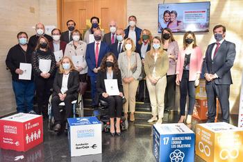 Ibercaja firma convenios sociales con 11 colectivos locales
