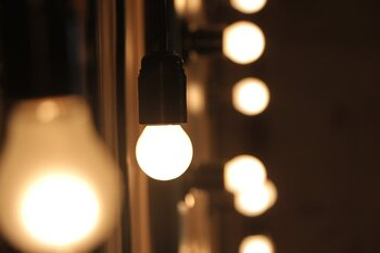 El precio de la luz baja un 9,33% este jueves