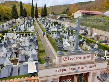 El cementerio de Briviesca abre hasta las 19.30 esta semana