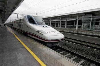 Renfe ha devuelto 475.000 euros a los viajeros de Albacete