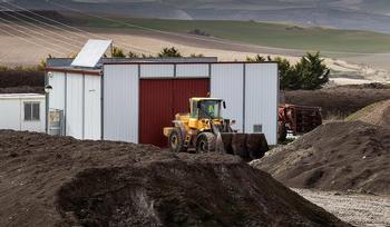 40.000 toneladas de lodos ponen a la depuradora en riesgo