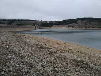 Las presas cierran el año hidrológico al 29% con 142hm3