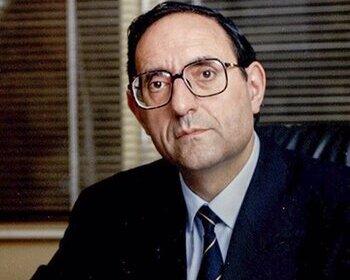 El Parlamento honra a Félix Palomo como político vocacional