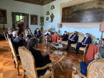 La Junta plantea modelos de colaboración con Italia