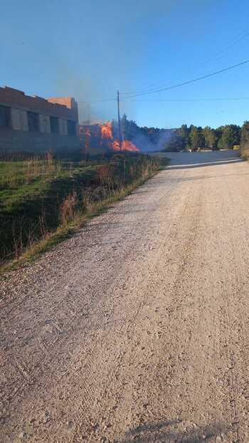Arde una hacina de pacas de paja entre Golmayo y Camaretas