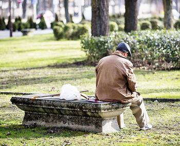 8.100 mayores de 65 años viven solos en la provincia