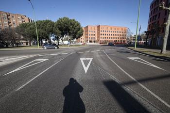 Atropellada una ciclista de 72 años en la plaza Bilbao