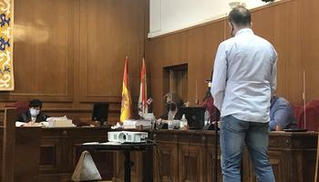 Casi 5 años de cárcel para un funcionario de Comisaría