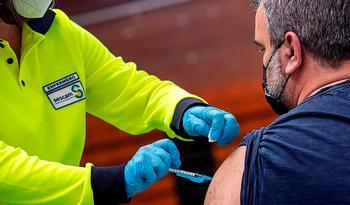 Unas 7.500 personas de entre 65 y 62 años reciben la vacuna