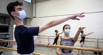 La Escuela de Danza recupera matrícula perdida por la covid