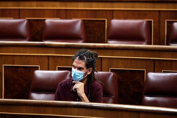 Batet comunica a Alberto Rodríguez la pérdida de su escaño