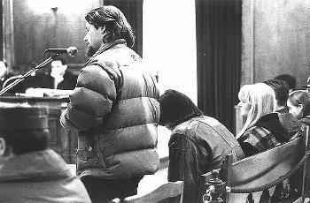 La víctima del crimen declarando en la Audiencia Provincial en 1995.