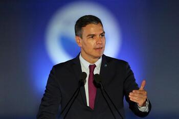 Sánchez reclama una solución común europea al alza de la luz
