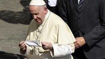 Concluye satisfactoriamente la operación quirúrgica del Papa