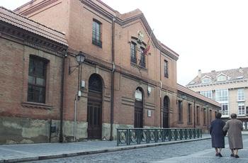 Instalaciones deportivas del colegio Jorge Manrique cerradas