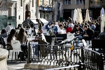 Una campaña sensibilizará para reducir el ruido en terrazas