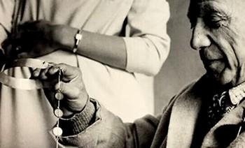 El Museo Picasso ofrecerá a partir de mayo una exposición inédita dedicada a la joyería artística de Picasso, una de las facetas profesionales más desconocidas del artista malagueño.