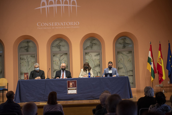 Uruñuela elogia el prestigio del Conservatorio Eliseo Pinedo